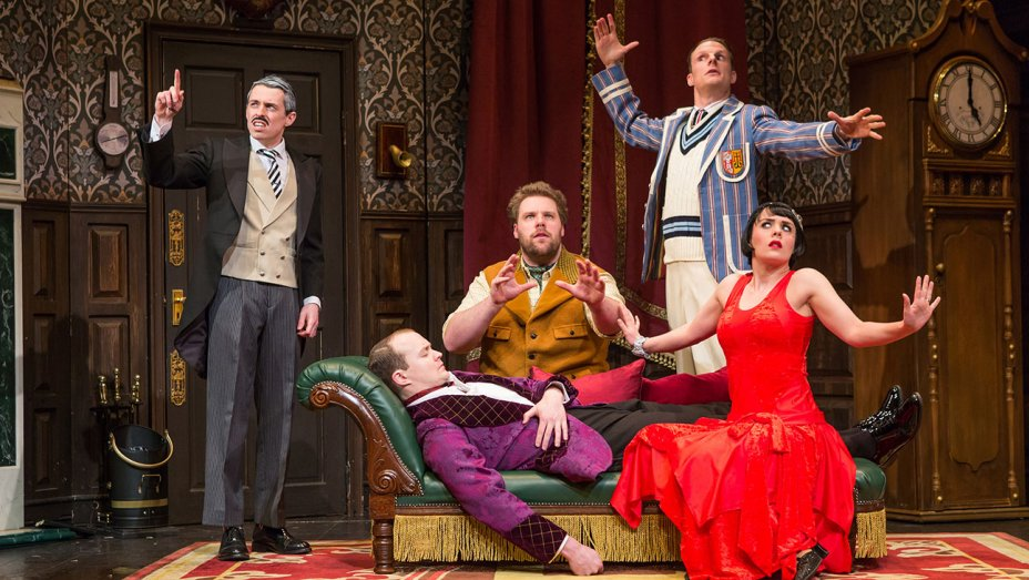 The Play That Goes Wrong ***